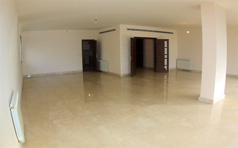 Ain el Mraysseh Apt. for sale