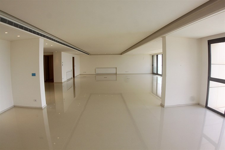 Ramlet el Baydah Apt. for sale