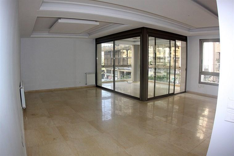 Ras el Nabeh Apt. for sale