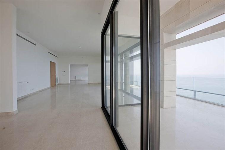Ain el Mraysseh duplex for sale