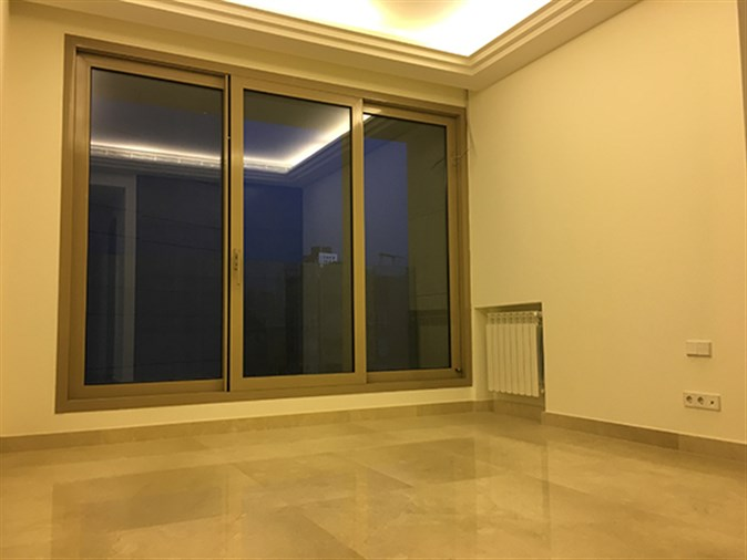 Apartment for sale in Manara