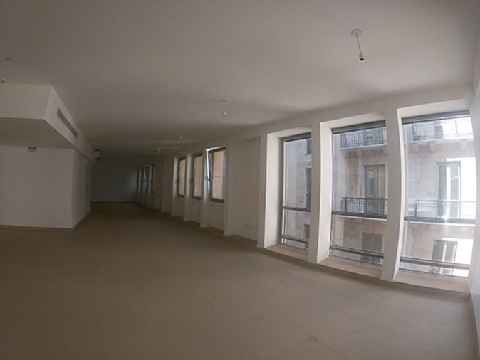 Offices for rent in Solidere